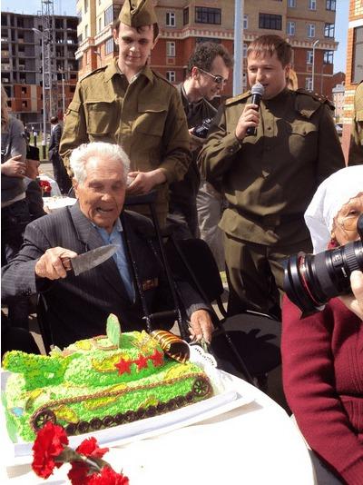 Выездной фуршет в честь Дня Победы в ЖК «Дубрава»