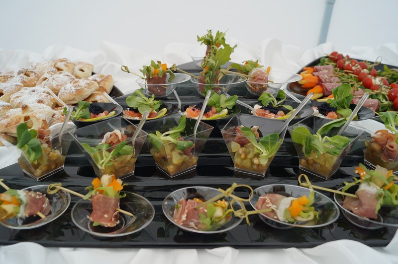 Фуршет и чайный стол для высоких гостей на открытии новой линии завода Тасма, по заказу Агентства Событие, август 2014