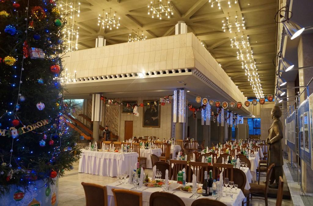 Новогодний банкет для коллектива Театра им.Г.Камала, декабрь 2015