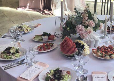 Банкет и фуршет свадебный в Усадьбе на природе, июль 2019