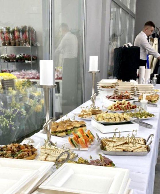 Фуршет на открытии цветочного центра, февраль 2021