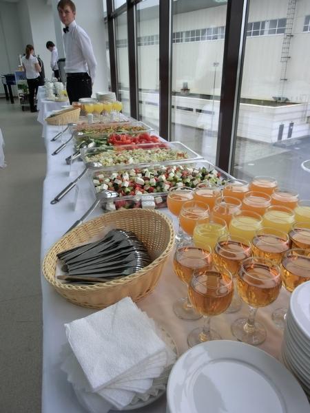 Шведский стол на корпоративной всероссийской спартакиаде EFES, сентябрь 2011